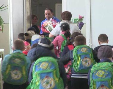 """Copiii de la Centrul de Plasament """"Delfinul"""" au bagat groaza intr-o scoala..."""