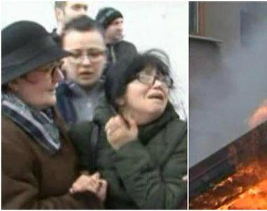Clipe de cosmar pentru locatarii blocului din Focsani afectat de incendiul de ieri....