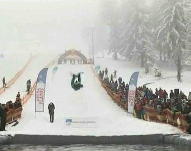 Zeci de tineri curajosi s-au intrecut pe zapada si apa, la Paltinis. Adrenalina i-a...