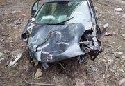 Un baiat de 14 ani din Vrancea a plonjat zeci de metri in gol de pe un pod cu masina pe care a furat-o de acasa