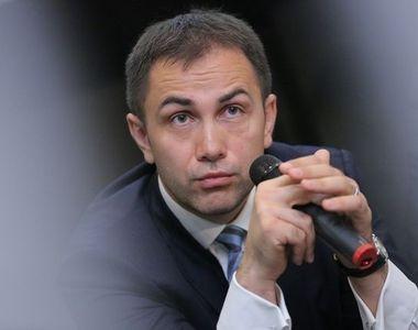 Lucian Isar, sotul Alinei Gorghiu, ramane sub supraveghere medicala. El a suferit un...