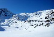 Doi alpinisti s-au pierdut pe munte. Salvamontistii ii cauta in Retezat