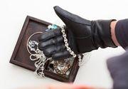 Un vasluian beat care a incercat sa jefuiasca un magazin de bijuterii a fost prins de vanzatoare cu degetele in sertarul cu aur