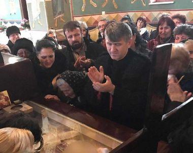 Parintele Pomohaci, care si-a facut selfie langa sicriul Ilenei Ciuculete, acuzat ca...