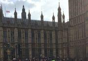 Imagini de ultima ora de la Londra! Ce se intampla acum in locul in care un terorist a ucis cinci oameni si a ranit alti 40!