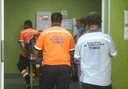 Jandarm din Lugoj, bagat in spital de doua femei. Barbatul a fost batut de acestea intr-un club de manele