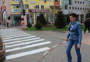 """Autoritatile din Targu-Jiu au trasat o trecere de pietoni intr-o zona pe unde nu trec masini: """"S-a revopsit pentru aspect"""""""