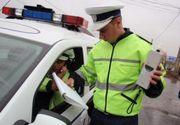 Un sofer baut si cu permisul suspendat, oprit de politisti cu 12 focuri de arma