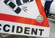 Accident pe A1 Sibiu - Orastie. Un autovehicul care tracta o autoplatforma s-a rasturnat pe autostrada. Un tanar a fost ranit