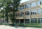 O fetita de cinci ani din Slatina a cazut in gol de la fereastra gradinitei. Copilul era blocat in baie