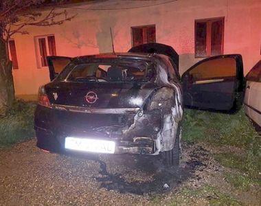 Inscenare sau accident? O masina a ars din temelii in Timisoara