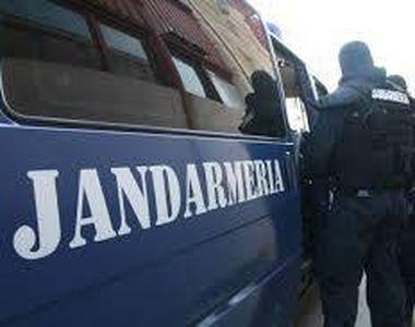 Un barbat din Galati este cercetat dupa ce a fost prins noaptea de jandarmi cu mai...