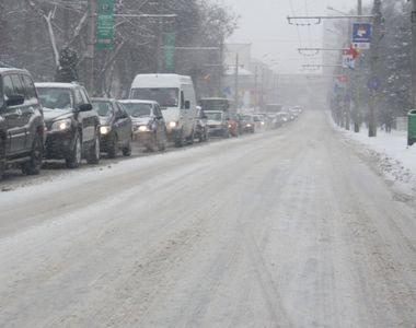 Iarna de aprilie face ravagii in Romania: Trafic inchis pe A1 si pe mai multe drumuri...