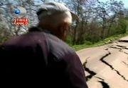 Panica intr-o localitate din Galati. Oamenii se tem ca ii va inghiti pamantul - Autoritatile incearca sa opreasca dezastrul, craterele se maresc de la o zi la alta