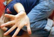 Un copil de 10 ani, din Vaslui, violat pentru o datorie de un baiat de 14 ani. Totul a fost filmat