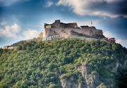 Un tanar a murit dupa ce a cazut de pe un zid al Cetatii Devei, in timp ce incerca sa faca o fotografie