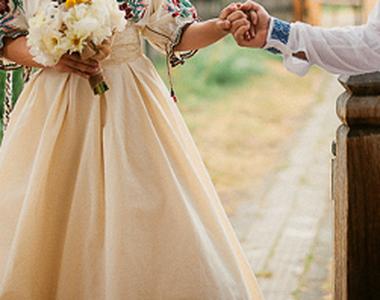 Nunta ca acum 100 de ani in Gorj! In loc de rochie de mireasa si costum, mirii au...