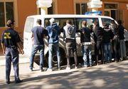 Opt migranti au platit mii de euro sa ajunga in Germania, insa au fost intorsi din drum din Vama Calafat