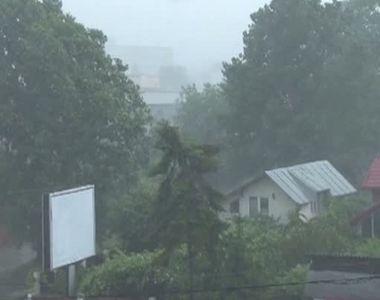Dezastru in Romania din cauza ploilor si furtunilor care au facut prapad! Zeci de...