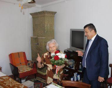 Profesoara in varsta de 102 ani, premiata de Primaria Focsani