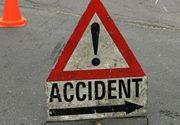 Accident grav in judetul Timis. Doua microbuze si un autoturism au fost implicate. Sunt multe victime