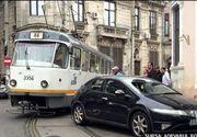 Cum a reusit o soferita sa paralizeze traficul in Bucuresti mai bine de jumatate de ora - E incredibil cum si-a parcat masina