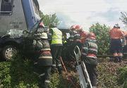 Patru persoane au murit si una a fost ranita grav, dupa ce masina in care se aflau a fost lovita de un tren