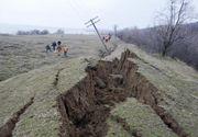 Sase gospodarii din judetul Valcea, evacuate in urma unei alunecari de teren