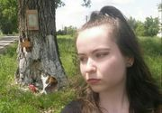 Omagiu bizar pentru Dan Condrea! O tanara si-a facut selfie cu pisica, la copacul in care patronul HexiPharma si-a strivit masina!