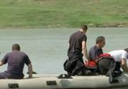 """Tanarul scos de scafandri dintr-un lac din judetul Ilfov, transportat cu manevre de resuscitare in curs la Spitalul """"Bagdasar Arseni"""""""