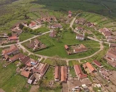 Singurul sat circular din Romania atrage tot mai multi turisti
