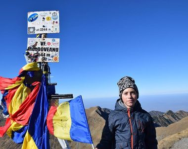 Imaginea cu Erik, micutul alpinist, mort in avalansa din Retezat, care i-a facut pe...