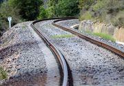 Trafic feroviar blocat in judetul Mures, intre statiile Rastolnita si Deda, din cauza unui copac cazut peste linii