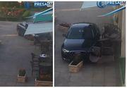 Panica la Satu Mare: Un barbat a intrat cu masina intr-o terasa!