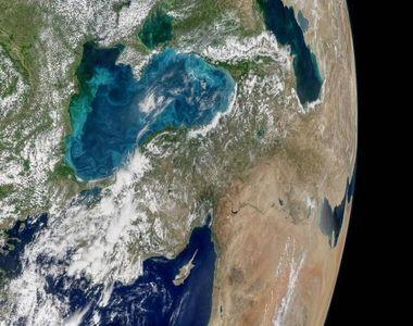 Apa Marii Negre are culoarea turcoaz. Care este explicatia acestui fenomen unic