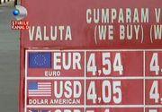 """Cine se grabeste sa schimbe lei in euro sau invers, risca sa se pacaleasca. Nu de alta, dar reclamele precum """"cel mai bun curs"""" pot ascunde si capcane."""