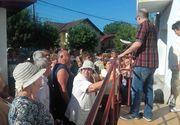 Zeci de pensionari se calca in picioare la Casa de Pensii din Gorj pentru 41 de bilete de tratament pentru Caciulata, Govora sau Olanesti