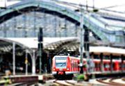 Vrei sa mergi la mare cu trenul in conditii decente? Acum este posibil. Biletul costa numai 45 de lei, iar vagoanele sunt dotate cu sisteme audio/video, aer conditionat, internet, wi-fi