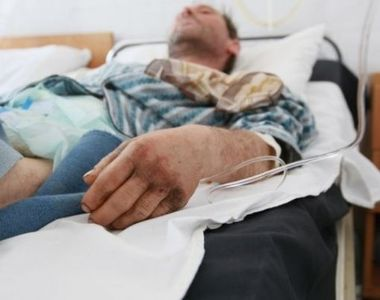 O femeie din Suceava si-a injunghiat iubitul, apoi a dat vina pe altcineva