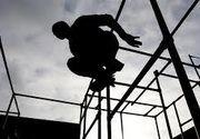Adolescentul din Iasi care a practicat un sport periculos si a cazut in gol de pe ruinele unei foste fabrici din Iasi a murit la spital
