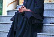Preotul-cantaret Cristian Pomohaci, acuzat de plagiat de fiul unei interprete de muzica populara cu care acesta a si cantat! A vrut sa-i plateasca daune de 30.000 de lei! Ce au spus specialistii despre asemanarea celor doua piese
