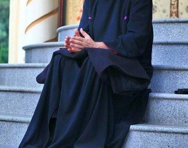 Preotul-cantaret Cristian Pomohaci, acuzat de plagiat de fiul unei interprete de muzica...