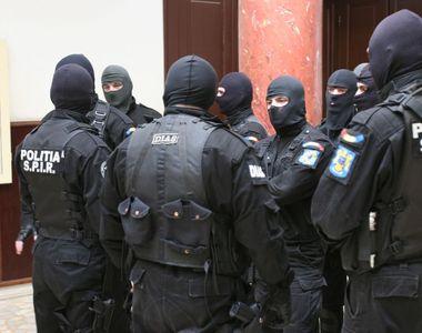 Perchezitii in Bucuresti si Arges, la persoane banuite ca ar fi obligat peste 40 de...