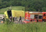 Un autocar cu 35 de turisti si alte doua masini, implicate intr-un accident rutier pe DN 1, in apropiere de Predeal - Care este starea oamenilor