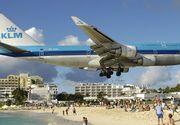 O turista a murit doborata de un avion care decolase