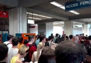 Aglomeratie la statia de metrou Pipera in a doua zi de la introducerea noul sistem de acces