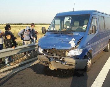 12 persoane, implicate intr-un accident pe autostrada Timisoara-Lugoj. O persoana a...