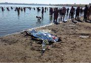 Imagini socante pe litoralul romanesc. Turistii au facut baie si au stat la soare langa un cadavru