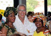 Ce bine o duce Andrei Zaharescu in Africa de Sud! Consul la Cape Town, fostul prezentator tv castiga azi cu 1000 de dolari mai mult decat in anul in care a fost instalat in functie