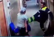 Asistenta insarcinata, lovita cu piciorul in burta de catre un paramedic. Camerele de supraveghere din spital au surprins imagini cumplite